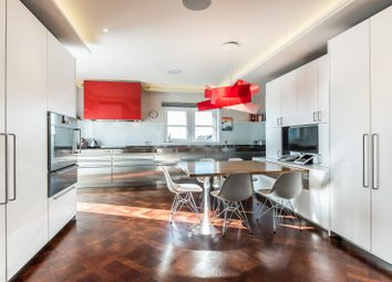 Thumbnail 4 bedroom flat to rent in Palace Green, London
