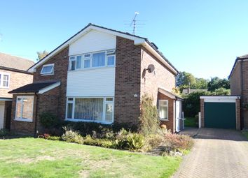 Thumbnail 4 bed detached house to rent in Sycamore Crescent, Fleet, Hampshire