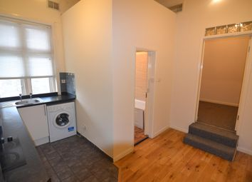 Thumbnail Studio to rent in Flat 4, High Road Leytonstone, London