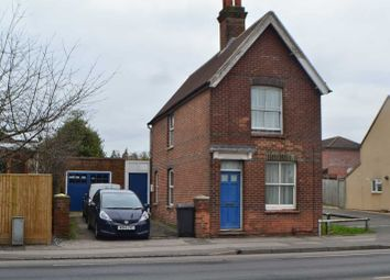 Thumbnail 3 bed detached house to rent in Chapel Street, Thatcham