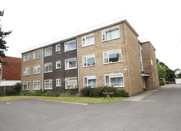 Thumbnail 1 bedroom flat to rent in Oaklands Road, Bromley