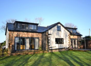 Thumbnail 3 bed detached house for sale in Maple Hill, Bovingdon, Hemel Hempstead