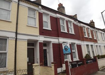 Thumbnail 5 bed flat to rent in Gilbey Road, London