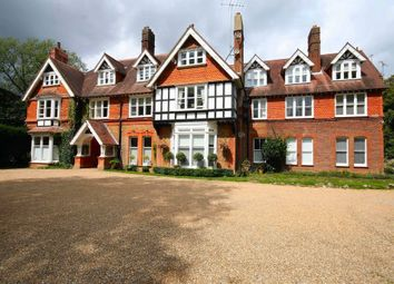 Reigate Hill, Reigate RH2. 3 bed flat for sale