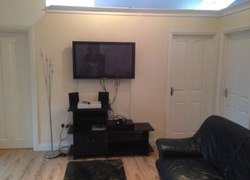 Thumbnail 2 bed bungalow to rent in Farnburn Avenue, Slough