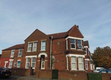 Thumbnail 2 bed flat to rent in Alma Road, Southampton