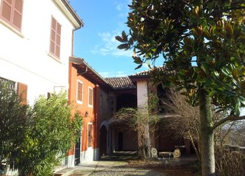 Thumbnail 6 bed country house for sale in Frazione Torre Sacchetti, Stradella, Pavia, Lombardy, Italy