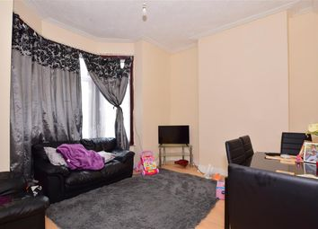 Thorold Road, Ilford, Essex IG1. 2 bed flat for sale