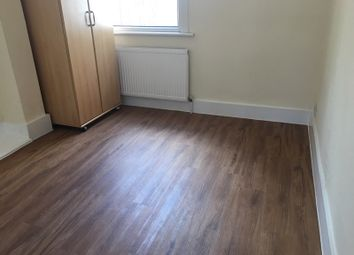 Thumbnail 1 bed flat to rent in Harringay Road, Turnpike Lane