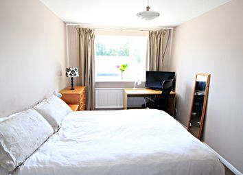 Thumbnail Room to rent in Ashdown Aveune, Farnborough