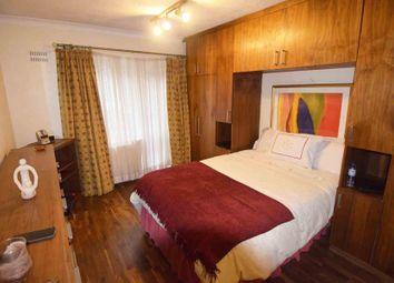 2 bed maisonette to rent in Blenheim Close, Greenford UB6