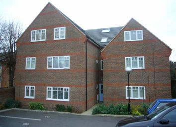 Thumbnail 1 bed flat to rent in Farley Hill, Luton