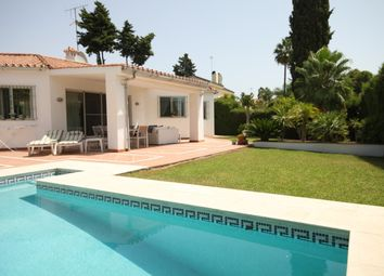 Thumbnail 3 bed villa for sale in Spain, Andalucia, Guadalmina, Vww814
