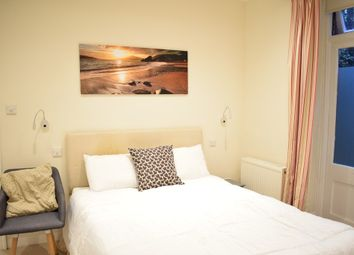 Thumbnail 2 bed flat to rent in Kelvedon Road, London