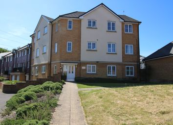 2 bed flat to rent in Elsanta Crescent, Fareham PO14