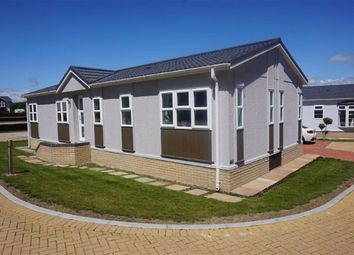 Thumbnail 2 bedroom mobile/park home for sale in Chickerell Road, Weymouth, Dorset