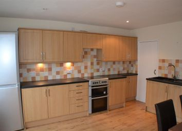 Thumbnail 2 bedroom flat to rent in Reading Road, Sherfield-On-Loddon, Hook