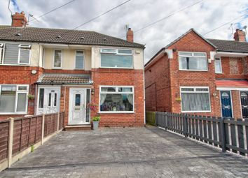 Hotham Road South, Hull HU5. 2 bed end terrace house