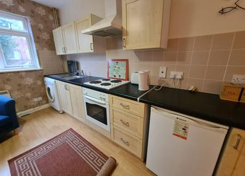 Thumbnail Studio to rent in Clarendon Park Road, Leicester