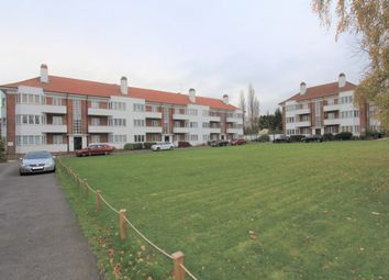 Thumbnail 2 bedroom flat for sale in Deacons Hill Road, Elstree