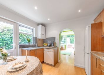 Thumbnail 2 bed flat for sale in Squires Lane, Finchley Central, London