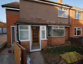 Thumbnail 1 bed flat to rent in Winterslow Drive, Havant