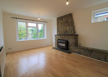 3 bed flat to rent in Howard Road, Walthamstow, London E17