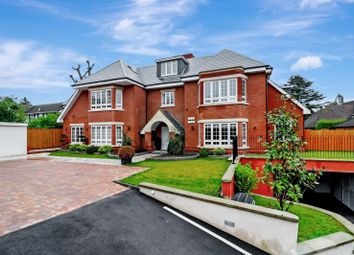 Penn Road, Beaconsfield HP9. 2 bed flat for sale