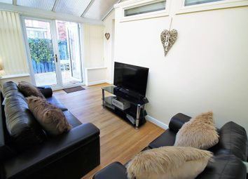 Thumbnail 5 bed shared accommodation to rent in Trafalgar Way, Carcroft