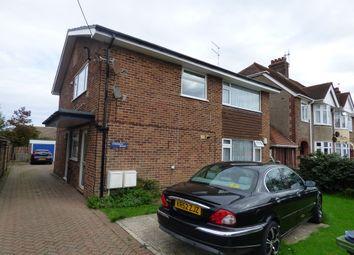 Thumbnail 2 bed flat to rent in Cornwall Road, Littlehampton