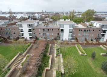 Thumbnail 2 bed flat to rent in Cross Street, Portsmouth