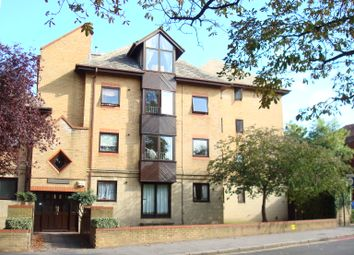 Thumbnail 2 bed flat to rent in 15 Park Hill Rise, East Croydon