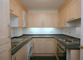 Thumbnail 1 bedroom flat to rent in Broadway, Maidenhead