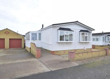 Thumbnail 2 bedroom mobile/park home for sale in Sarah's Walk, Parklands Mobile Homes, Scunthorpe