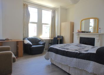 Thumbnail 6 bed shared accommodation to rent in Fairbridge Road, Islington