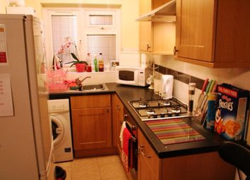 Thumbnail 2 bed flat to rent in Richmond Crescent, Cardiff, Caerdydd