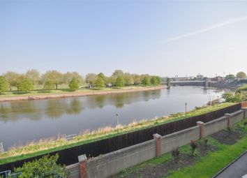 Thumbnail 3 bedroom flat for sale in Wilford Lane, West Bridgford, Nottingham