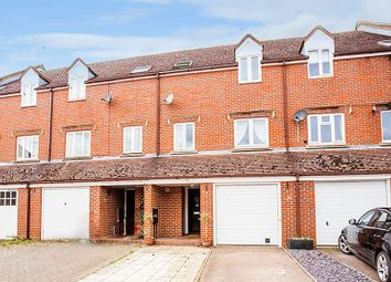 4 bed property for sale in Fishers Field, Buckingham MK18