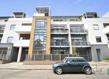 Thumbnail 3 bed flat to rent in Kimberley Road, London