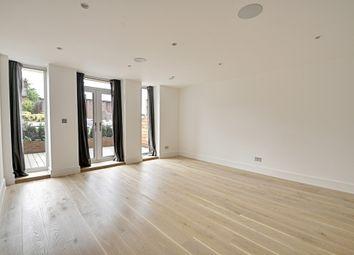 Thumbnail 1 bedroom flat to rent in Ealing Green, Ealing