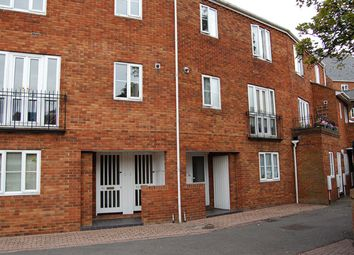 Thumbnail 3 bed maisonette to rent in Sovereign Quay, Bedford
