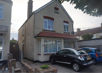 Thumbnail 2 bed flat for sale in Seaforth Grove, Southend-On-Sea