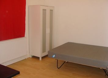 Thumbnail Room to rent in Off Twyford Abbey, Road Park Royal