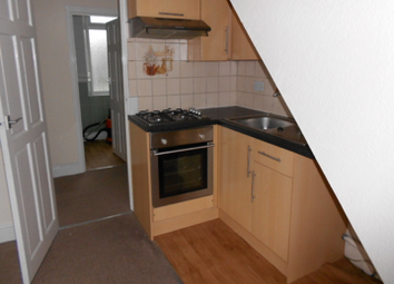 Thumbnail 2 bed flat to rent in Beacon Road, Bradford