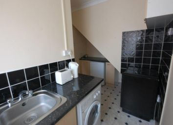 Thumbnail Maisonette to rent in Oxford Road, Reading
