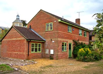 Thumbnail 4 bed detached house to rent in Pearce Close, Gough Way, Cambridge