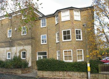 Thumbnail 2 bed flat to rent in Churchfields, Broxbourne