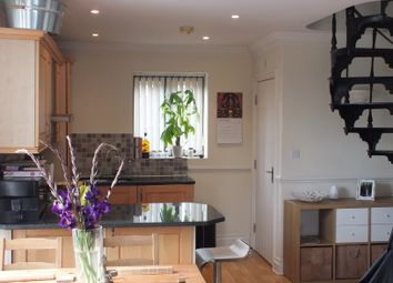 Thumbnail 1 bed flat to rent in Convent Court, Hatch Lane, Windsor