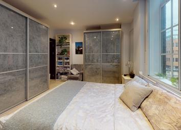 Thumbnail 2 bed flat to rent in Carthusian Street, Elondon