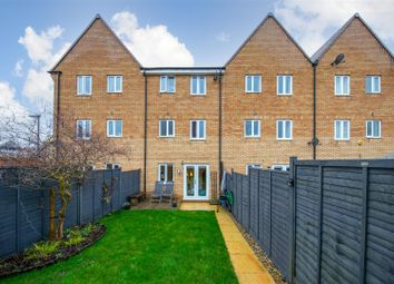 Thumbnail 3 bed town house for sale in Wolseley Drive, Dunstable